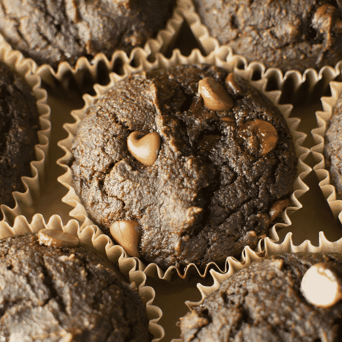 Skinny Pumpkin Chocolate Chip Muffins. (130 calories!)