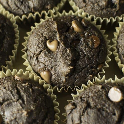 Skinny Pumpkin Chocolate Chip Muffins. (130 calories!)