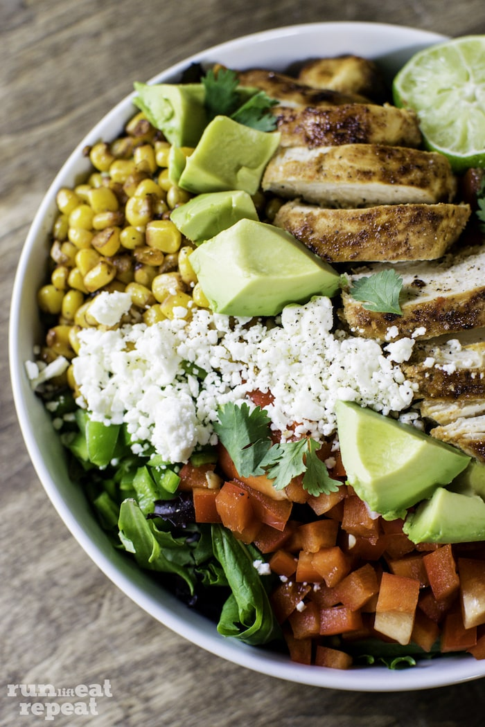 So much flavor. So much texture. This salad has THE WORKS. Find the recipe on runlifteatrepeat.com