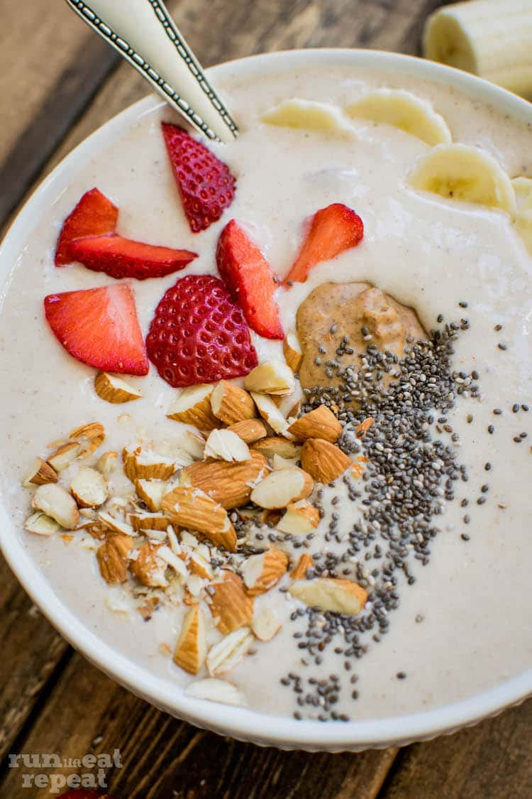 My favorite post-workout smoothie bowl. Protein-packed, healthy, and satisfying! Find the recipe at runlifteatrepeat.com!