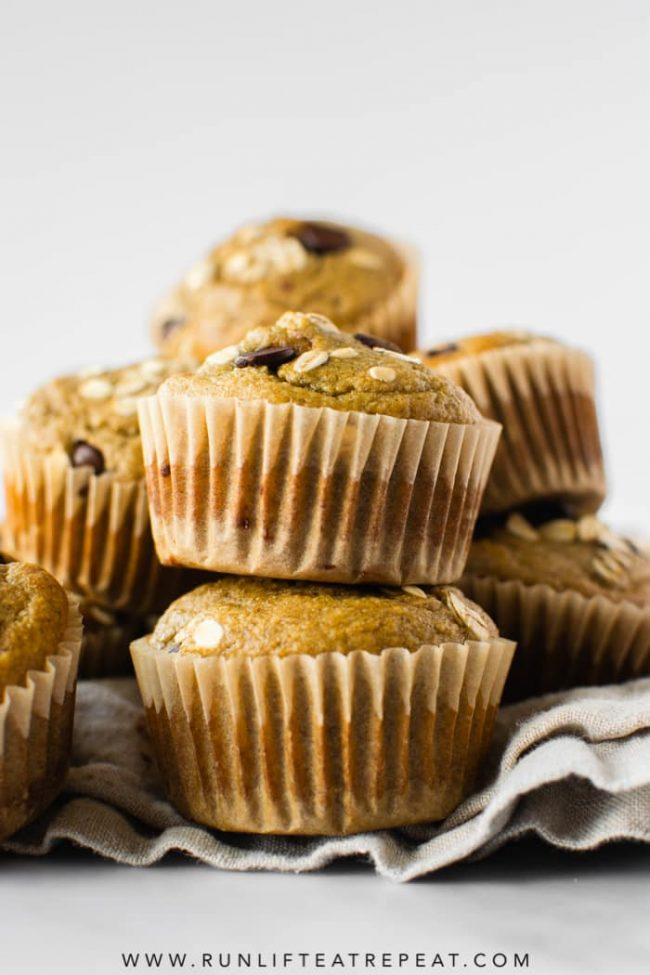 You won't miss the butter, oil or sugar in these easy-to-make flavorful banana muffins, trust me! Recipe on runlifteatrepeat.com.