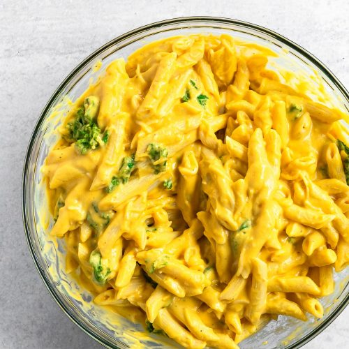 This butternut squash mac and cheese produces the same comfort as regular mac and cheese but produces a completely unique taste. It's endlessly creamy and incredibly flavor. There's no doubt that your family will love it!